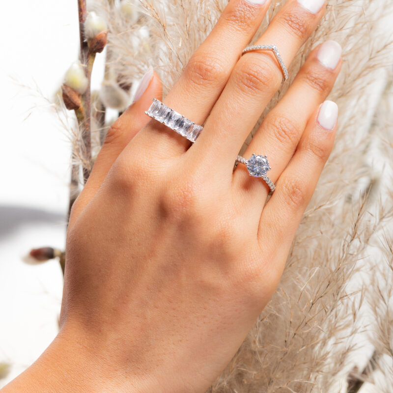 Classic Sparkling Ring